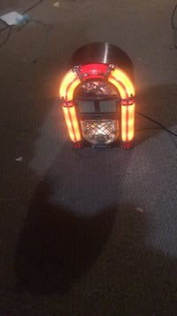 Table top bubble light jukebox CD player is new only used to make sure worked Crestwood, 63126