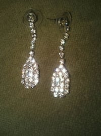 Faux diamond earrings and necklace