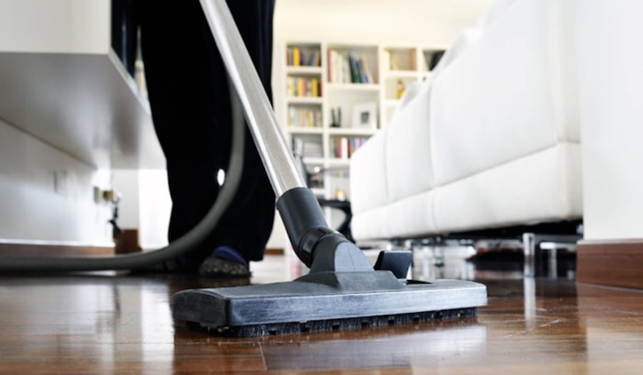 House cleaning 324c122a-99ed-4062-bb61-81e809868f96