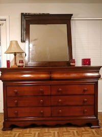 Nice wooden big dresser/TV stand with big 8 drawer Annandale, 22003