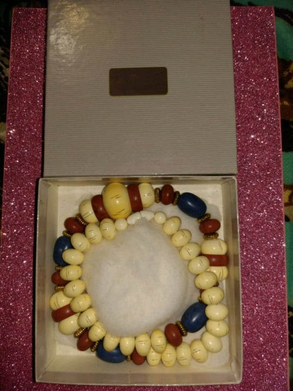 1980s Avon jewelry. Make offers. 1458d734-ca78-40c0-852b-a63a9abacd38