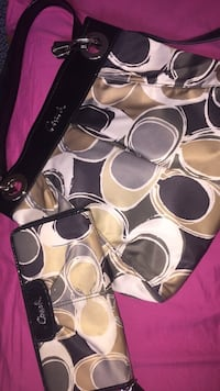 Authentic Coach Purse handbags with wallet for sale Calgary, T3B