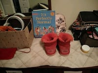 Red uggs boots Temple Hills, 20748