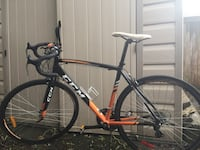CCM Road Bike with bike pump Welland, L3C