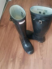 Women's used hunter boots size 6 Surrey, V3W 2M8