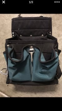 Tool bag with hammer clip