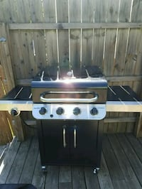 4 burner stainless steel and black gas grill Bellevue, 41073
