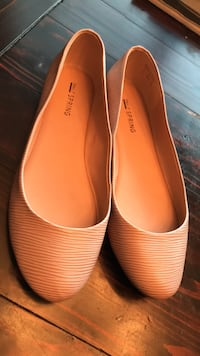 Nude flats. Size 8 Burnaby, V5H 4G3