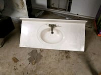 white ceramic sink with faucet Carthage, 64836