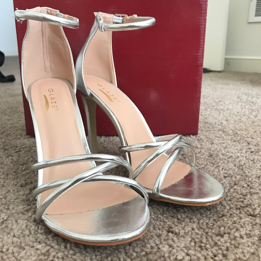 Silver Glaze Heels (Size 9) 84cee0be-c7fc-4df7-be62-d2ea097d6d4f