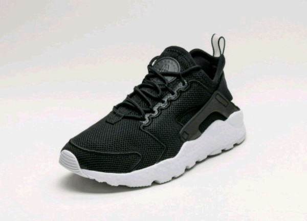 save off 829ff 264f7 Used Womens Nike Air Huarache Run Ultra BR (Black) for sale in Norcross -  letgo