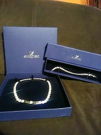 Swarovski necklace and matching bracelet Toronto, M3A 2R4