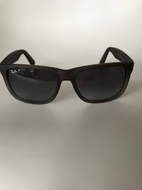 black framed Ray-Ban Wayfarer sunglasses Toronto, M4S 1A1