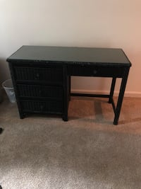 Wicker 4 drawer desk Dumfries, 22025