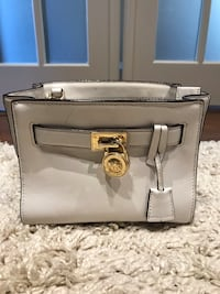 Michael Kors bag  Bradford West Gwillimbury, L3Z 3E9