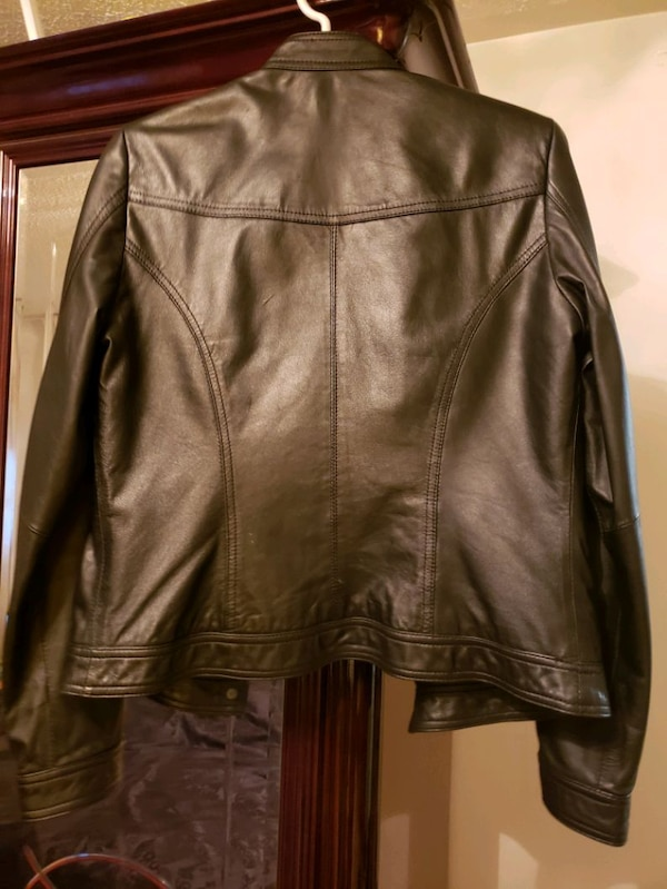womans leather jacket 0a9b38d6-a784-4719-9c75-e75117dbb244
