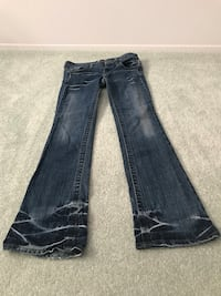LEI Life energy intelligent woman's size 3 boot cut jeans Smithtown, 11787
