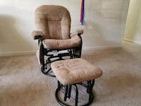 Glider/Nursing chair with swivel  Owings Mills, 21117