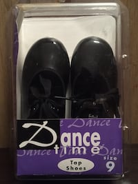 Young girl's pair of black dance time tap shoes, Size 9 Pasadena, 21122