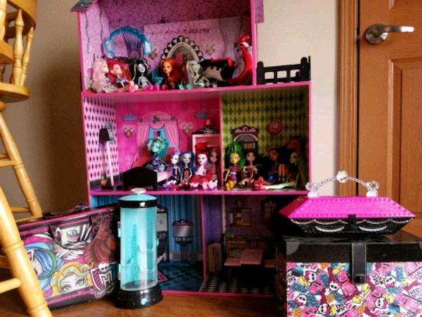 Used Monster High Doll House With Furniture And Dolls For Sale In