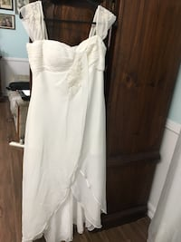 Wedding dress short front long back, perfect conditions London, N6C 5B2