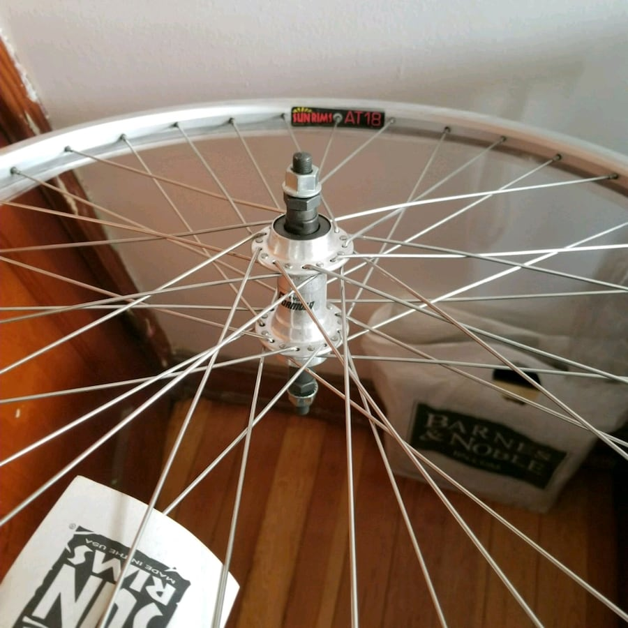 white and black bicycle wheel