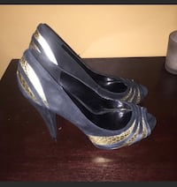 Black and gold heels size 38 Worcester, 01604