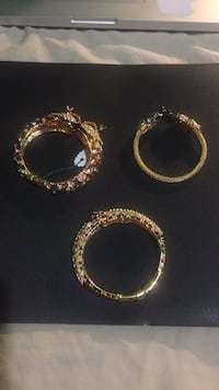 two gold and silver rings Brampton, L6X 4G3