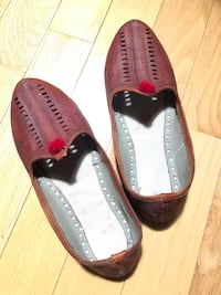 Men's Juttis from India Size 10 casual shoes.  Guelph, N1E 4W4