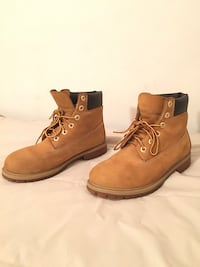 Timberlands Size 7 youth (size 9 women's) Toronto, M2J 3C3