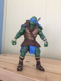 green and blue TMNT action figure Garland, 75041
