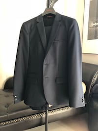 Brian new Hugo Boss Suit 34 Regular $700 OBO Toronto, M6A 3B8