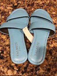 NEW Sandals size 6 Reg $39.5