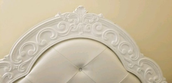 Victorian bed frame (full twin) 4