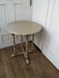 "Multiuse small table, shabby chic, 26"" diameter, 2 Montclair, 91763"