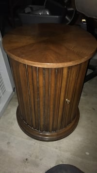 brown wooden round side table Las Vegas, 89115