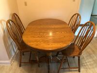 Kitchen table and 4 chairs Toronto, M6L 1R1