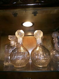 two clear glass candle holders Houston, 77045