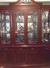 MAHOGANY DISPLAY CABINET  Vaughan, L4L 2A7