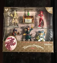 Discontinued SOLD OUT Pirates of the Caribbean Disney figure set RED HEAD AUCTION New York, 10307