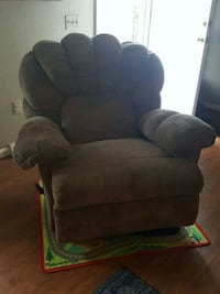 Brown and gray recliner chair Marshall, 20115
