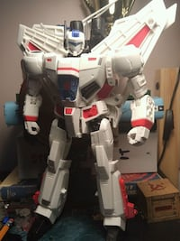 Transformers generations jetfire action figure Toronto, M1P 0B4