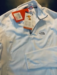 Brand new north face womens fleece size large Toronto, M3A