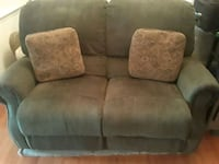 gray suede 2-seat sofa Woodbridge, 22191