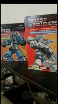 Transformers G1 Reissue Prowl and Dirge