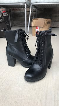 Size 8 black boots - Never been worn North Salt Lake, 84054