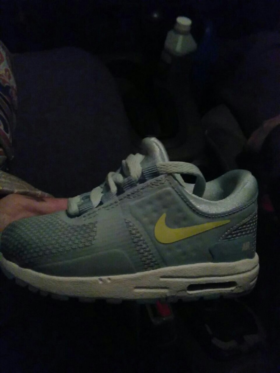 97cf320be480 ... discount unpaired gray and white nike running shoes efdbc ca6f9