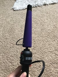 Hot tools curling iron  Guelph, N1E 3E9
