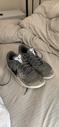 Kobe basketball shoe. Size 10.5