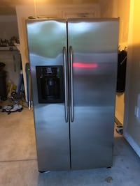 GE fridge in very good excellent condition  Ajax, L1S 0A4